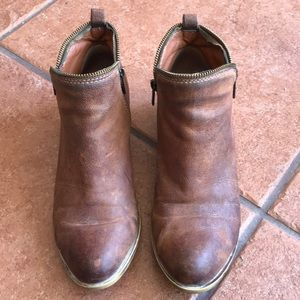 LUCKY BRAND BROWN LEATHER BOOTIES SIZE 9.5M